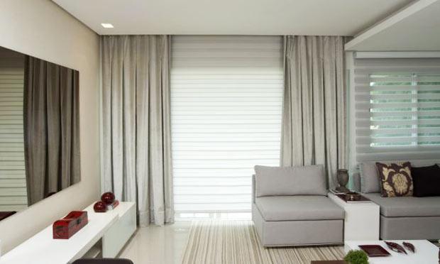 Ambiente decorado com cortina