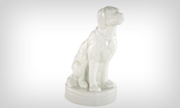 Cachorro de porcelana