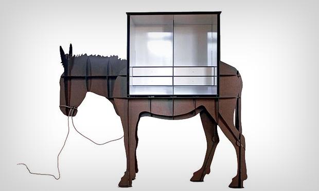 Cavalo estante
