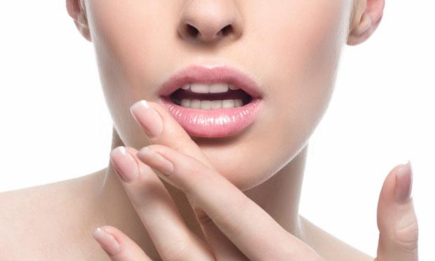 Boca: 4 cuidados para deixar os lábios bonitos e hidratados | CLAUDIA
