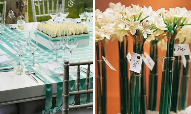 Fitas de cetim verde-claro decorando a mesa e minibuquês de narcisos como lembrancinha