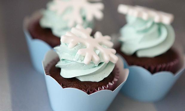 Cupcake com decoração de neve.