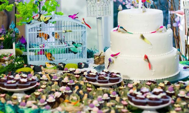 Jardim das borboletas e passarinhos
