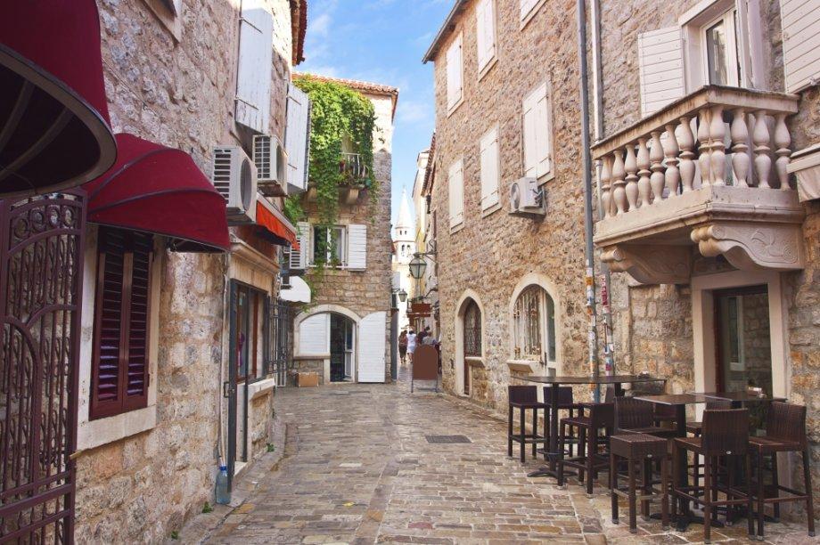 O turístico distrito de Budva, em Montenegro