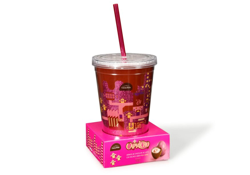 Copo Capricho (200g) com mini ovinhos de chocolate ao leite recheados de milk-shake de morango, Cacau Show, a partir de R$ 33,90*