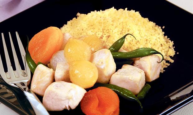 Cuscuz com frango e legumes