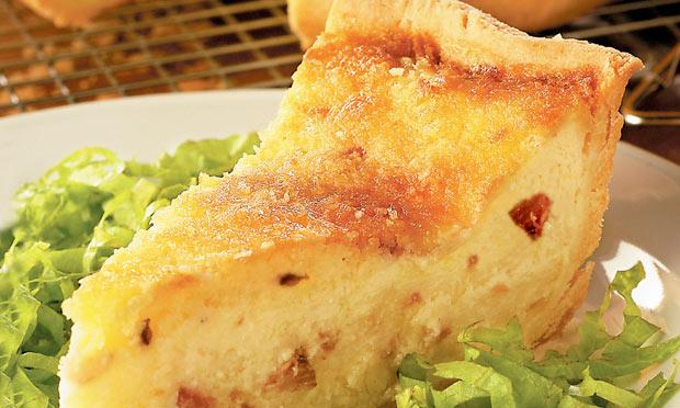 Quiche Lorraine de queijo e bacon