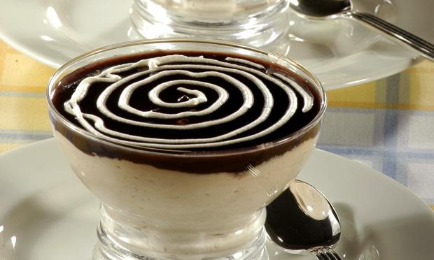 Suflê gelado de jabuticaba