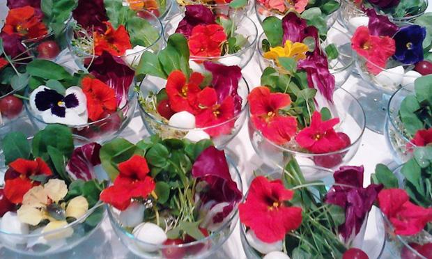 Saladinha com flores