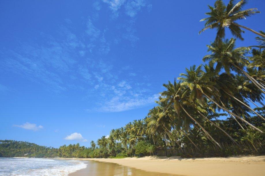 Praia na costa do Sri Lanka