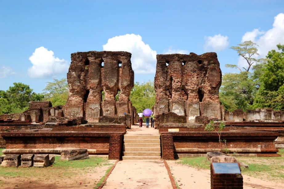 Ruínas Polonnaruwa, antiga capital do Sri Lanka
