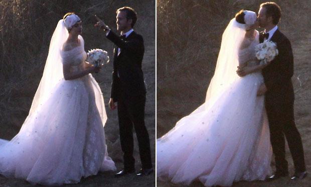 Vestido de noiva rosa Anne Hathaway