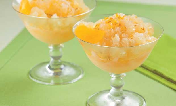 Raspadinha de laranja com champanhe: delícia de sobremesa!