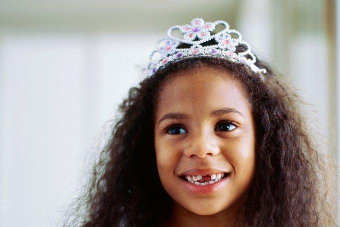 Portrait of a girl wearing a crown