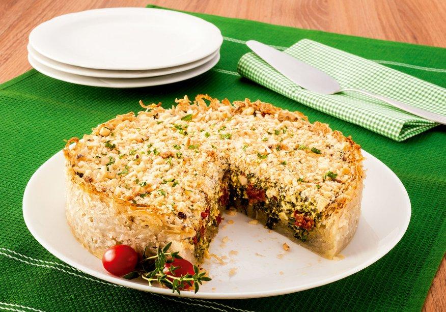Torta com massa de batata ralada e tofu