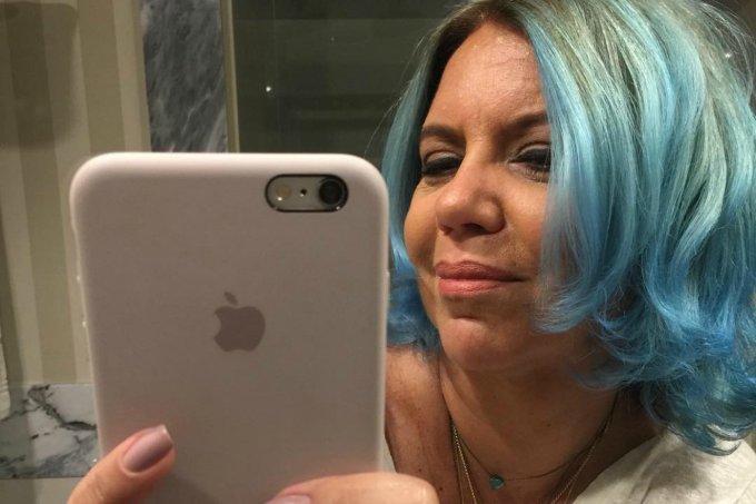 astrid-cabelo-azul