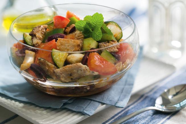 salada-grega-com-sardinha