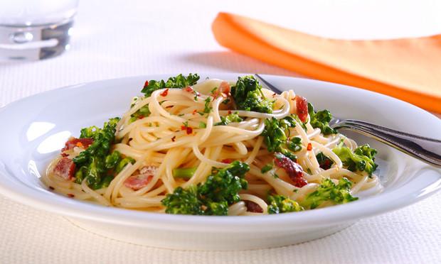 receita-espaguete-com-brocolis