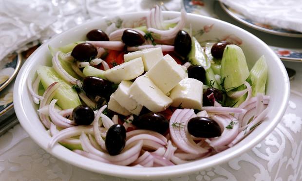receita-horiatiki-salata
