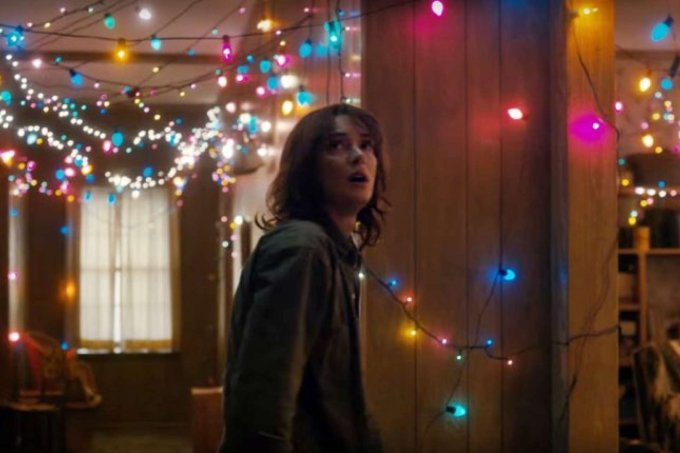 winona-ryder-stangers-things-netflix-trailer-660×430