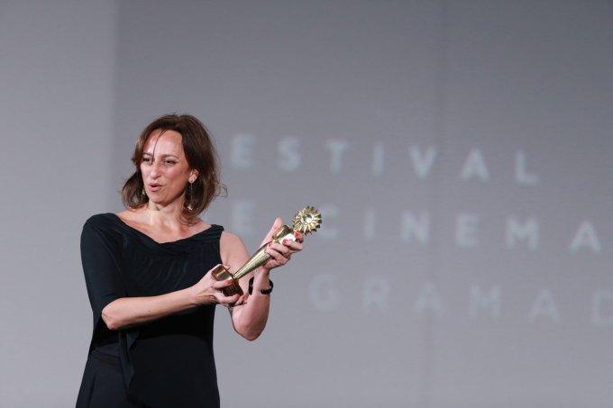 """Laís Bodanzky recebe o Prêmio de Melhor Filme com """"Como Nossos Pais"""""""