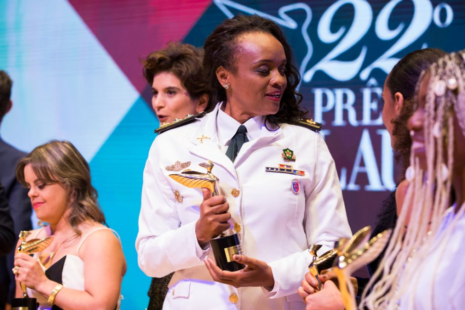 Denice Santiago levou o troféu de Políticas Públicas
