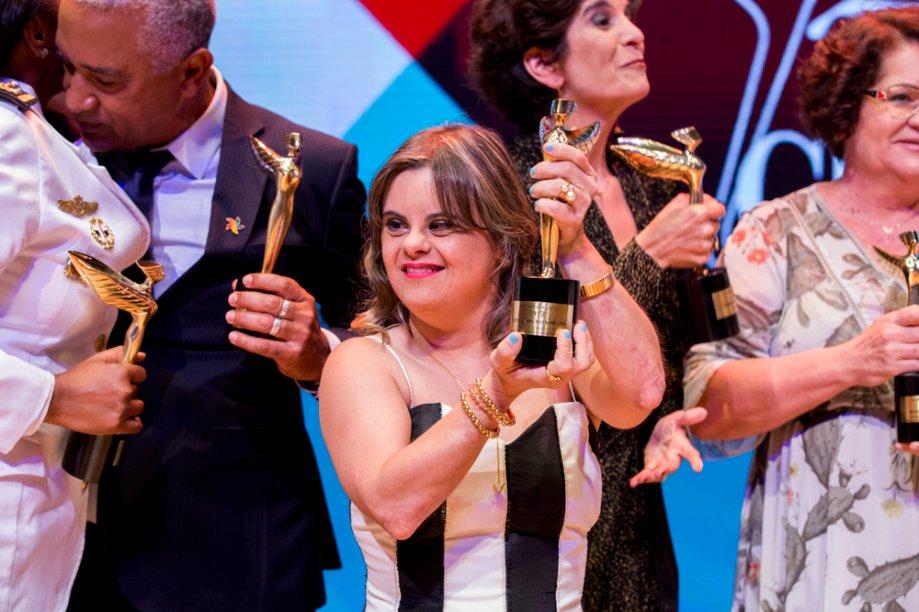 Fernanda Honorato levou o prêmio de Trabalho Social