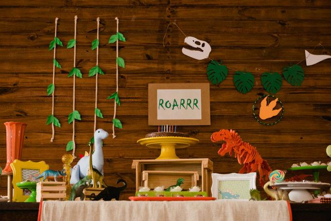 Festa infantil tema dinossauro