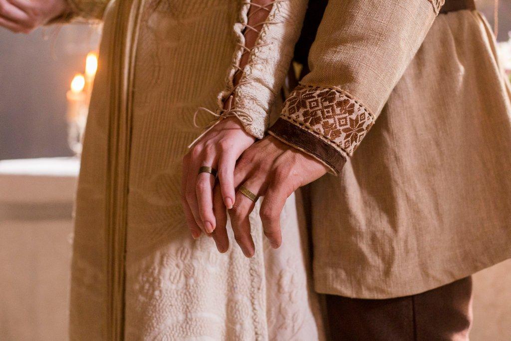 Detalhe casamento  Amália (Marina Ruy Barbosa) e Afonso (Romulo Estrela) no casamento