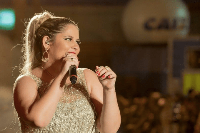 Marília Mendonça em show