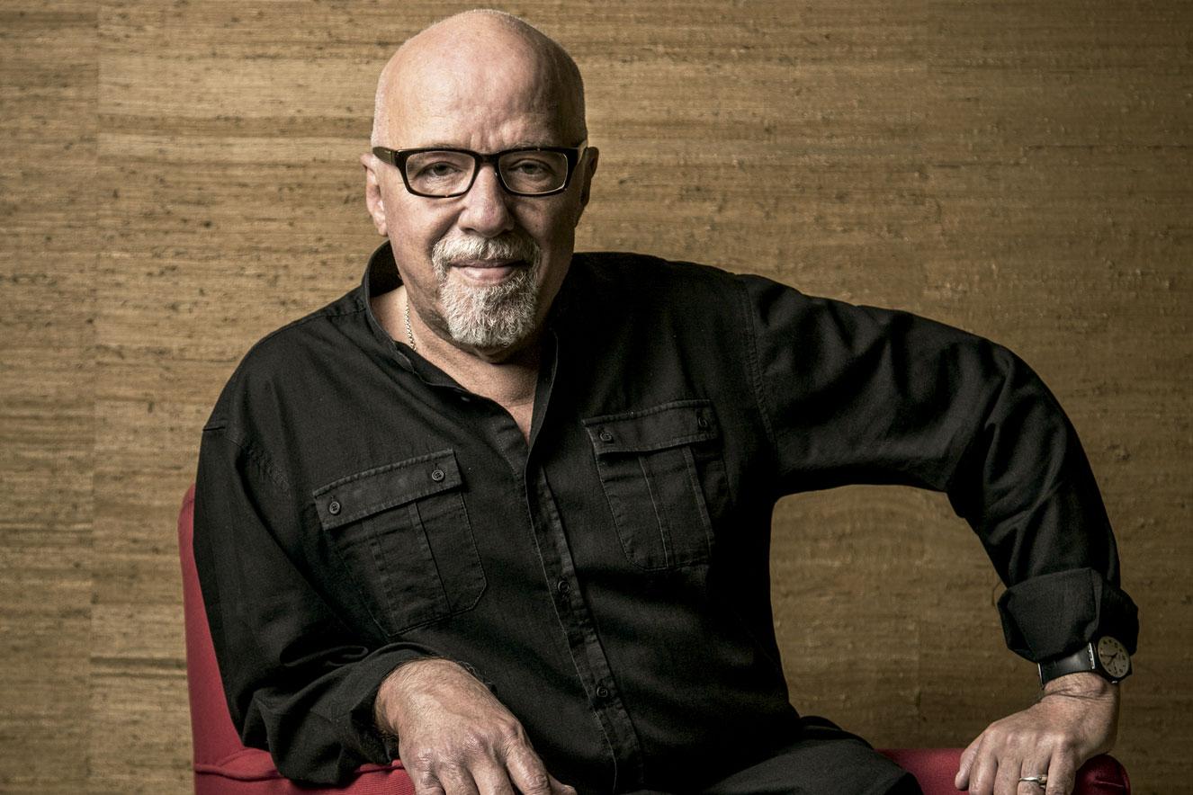 Paulo Coelho fala sobre a situação atual do Brasil e sobre seu novo livro   CLAUDIA