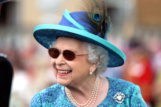 rainha-elizabeth-joias