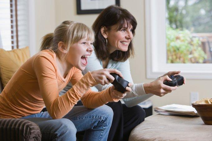 mulheres-jogando-videogame