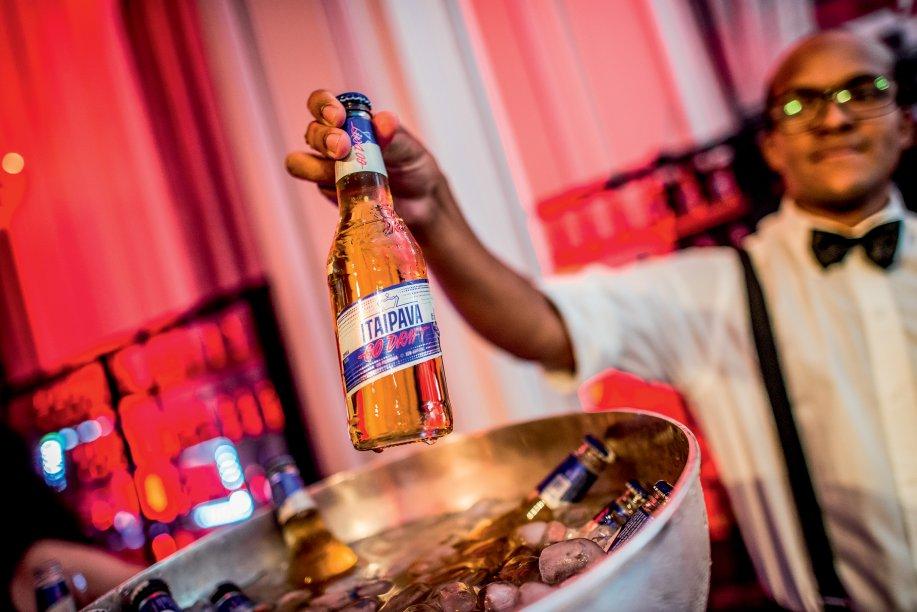 Os convidadoes puderam desfrutar da cerveja Itaipava Go Draft