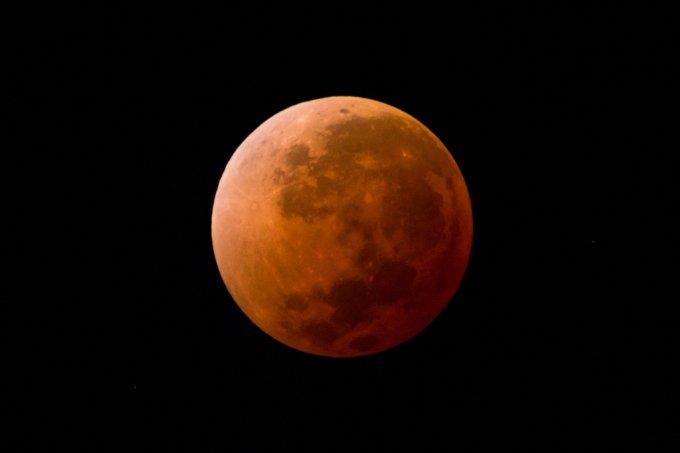 eclipse lunar – vermelho