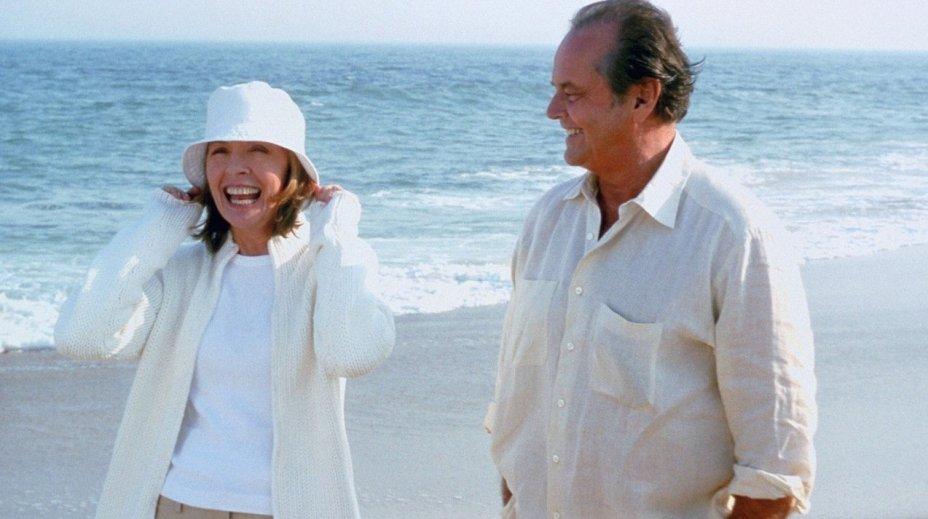<strong>Alguém Tem Que Ceder:</strong>Aos 60, o charmoso Harry está acostumado a se relacionar com mulheres de 30. Mas uma viagem com a nova namorada sai dos trilhos quando a mãe dela aparece sem avisar.