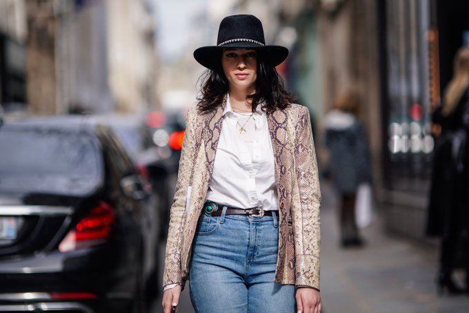 Street Style – Paris Fashion Week Womenswear Fall/Winter 2019/2020 : Day Seven