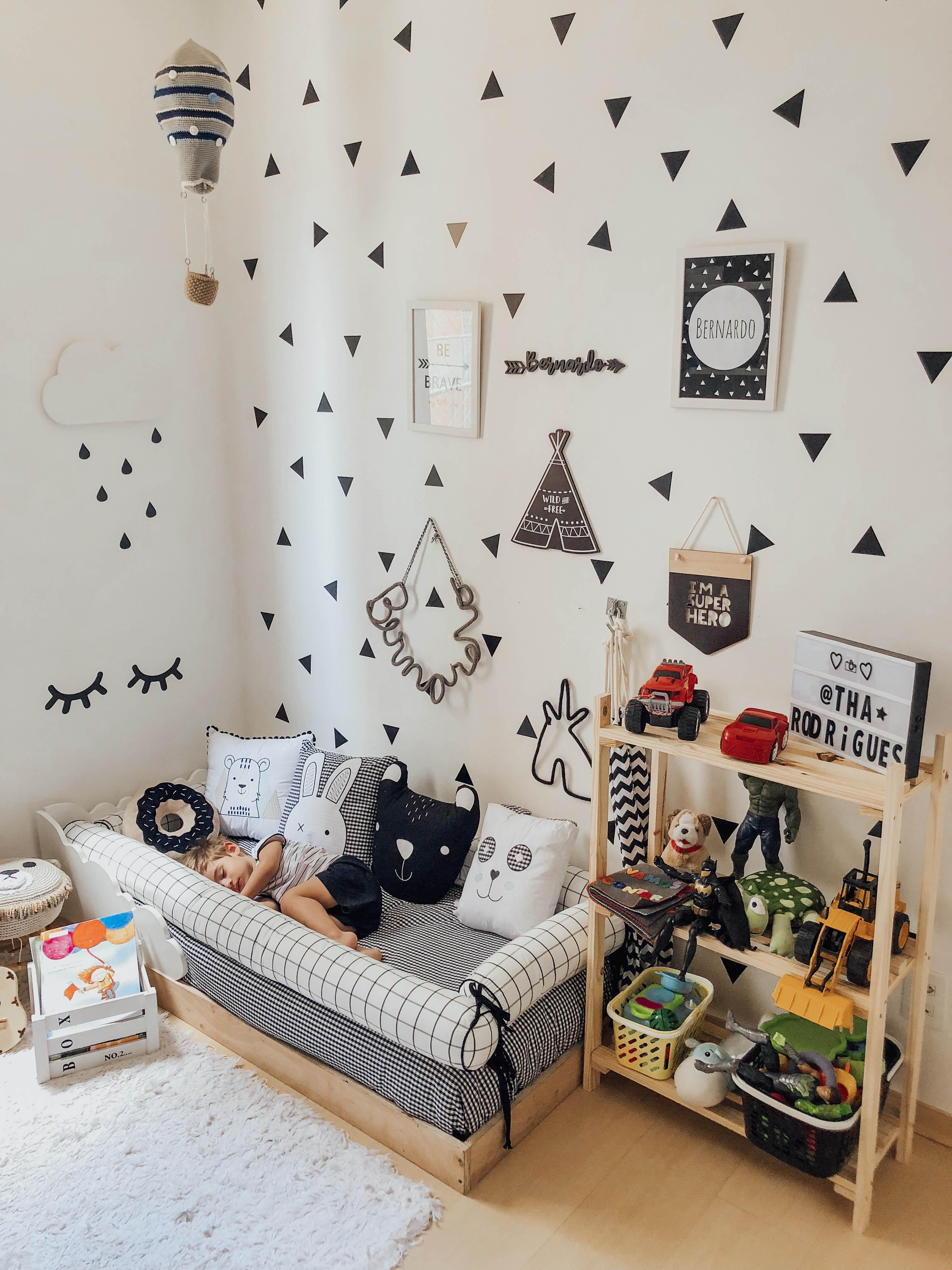 Como montar um quarto montessoriano para bebês e crianças