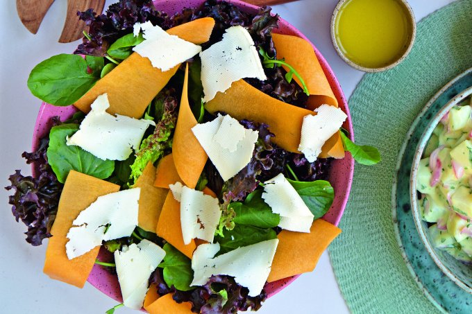salada com queijo