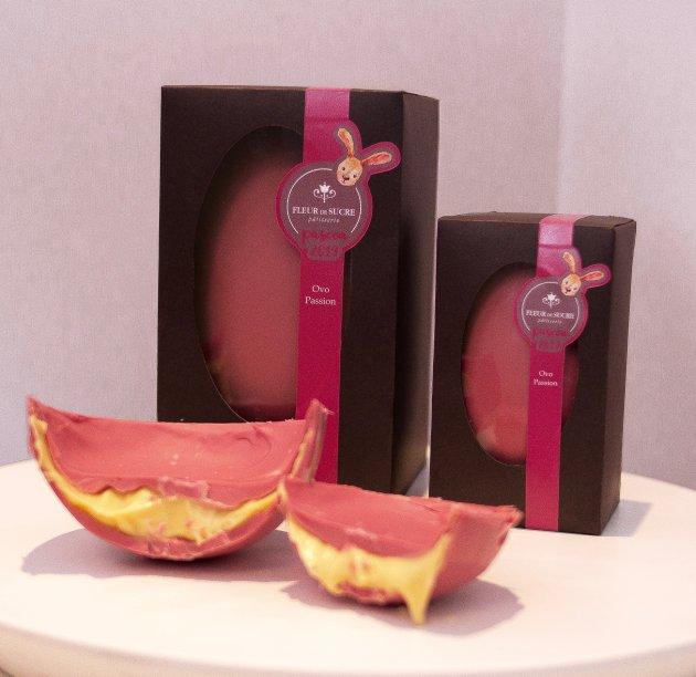 Fleur de Sucre - Ovo Passion:  com mousse de maracujá, que harmoniza com as notas frutadas do novo chocolate rosa, nas versões de 600g – R$ 180,00 e 300g- R$ 130,00.