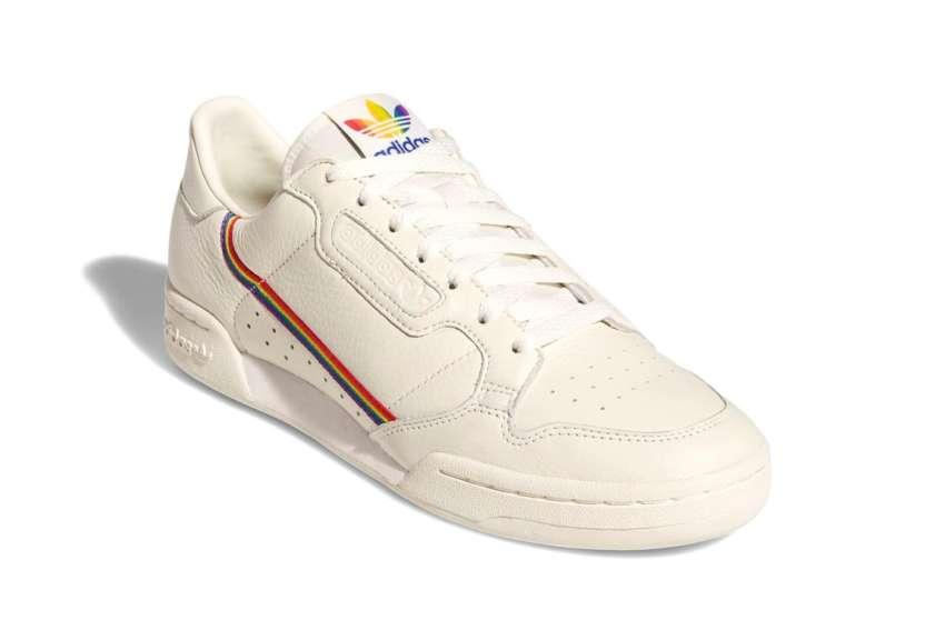 "<div class=""gl-price""><span class=""gl-price__value"">Tênis Continental 80 Pride, Adidas - R$399,99</span></div>"