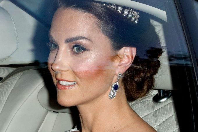 Kate Middleton com a tiara Lover's Knot