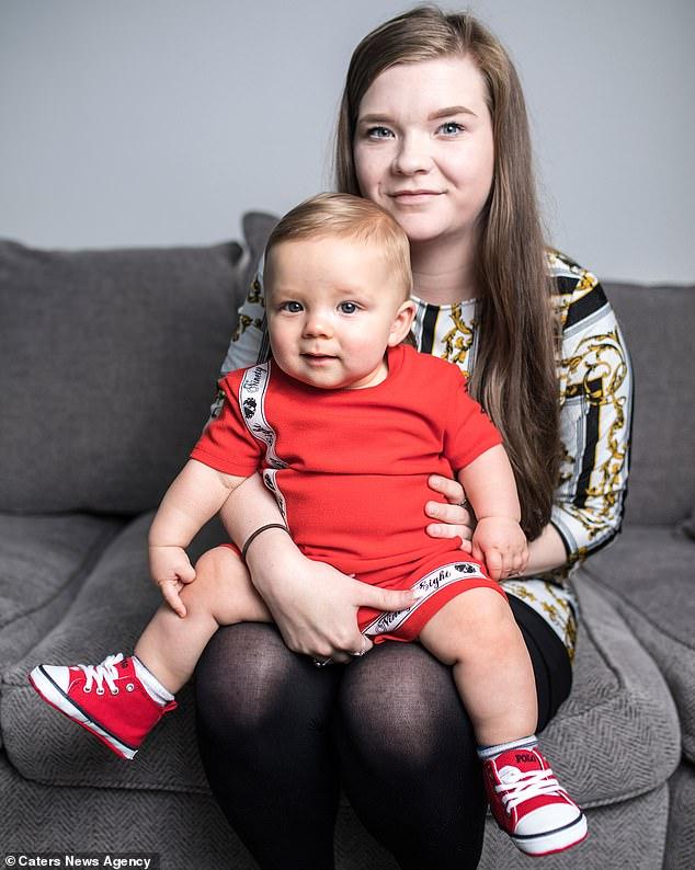 Noah Tindle, bebê que teve herpes no olho