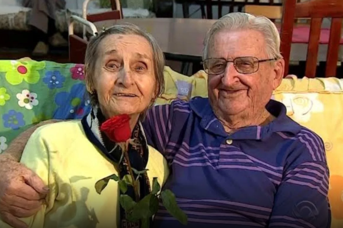 Casal de idosos se reencontra em asilo 65 anos depois de separação