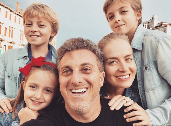 Luciano Huck, Angélica e família