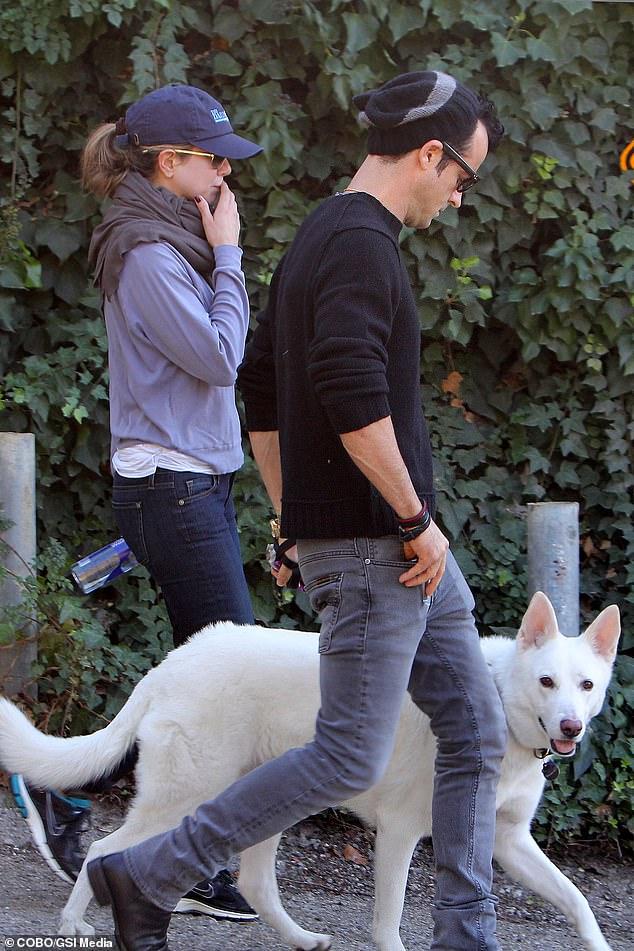 Jennifer, Justin e Dolly