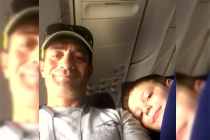 Garoto com autismo faz amizade durante vôo