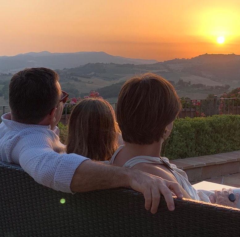 Rodrigo Bocardi com a esposa e a filha