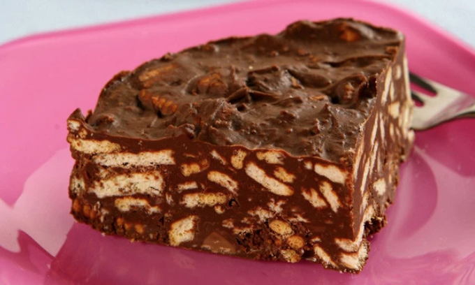 Torta de chocolate e biscoito