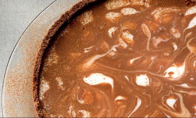 Torta de iogurte com biscoito de chocolate